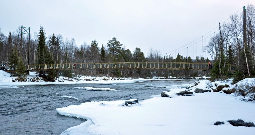 Nya bron en bit upp längs Tjulån