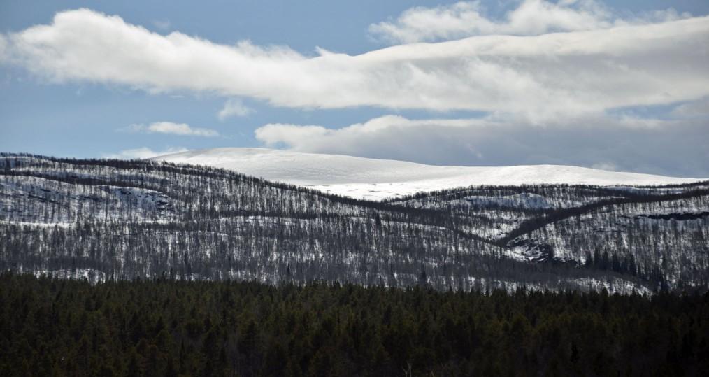 Mycket snö kvar till fjälls där vi fortfarnade har skidföre